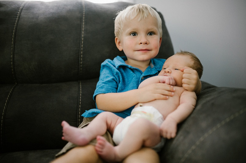 ludington-michigan-lifestyle-newborn-session-in-home-documentary-session-west-michigan-with-sawyer-7563.jpg