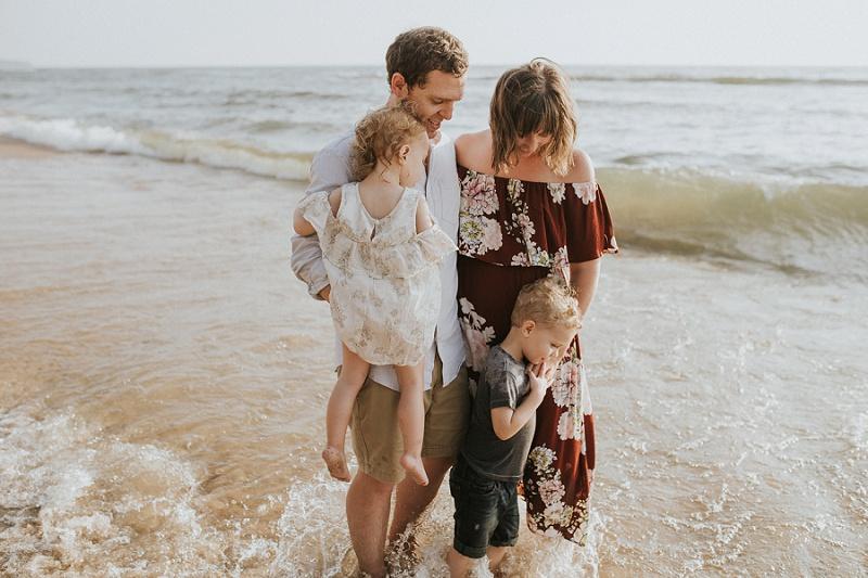 ludington-michigan-photographer-beach-session-minis_0004.jpg