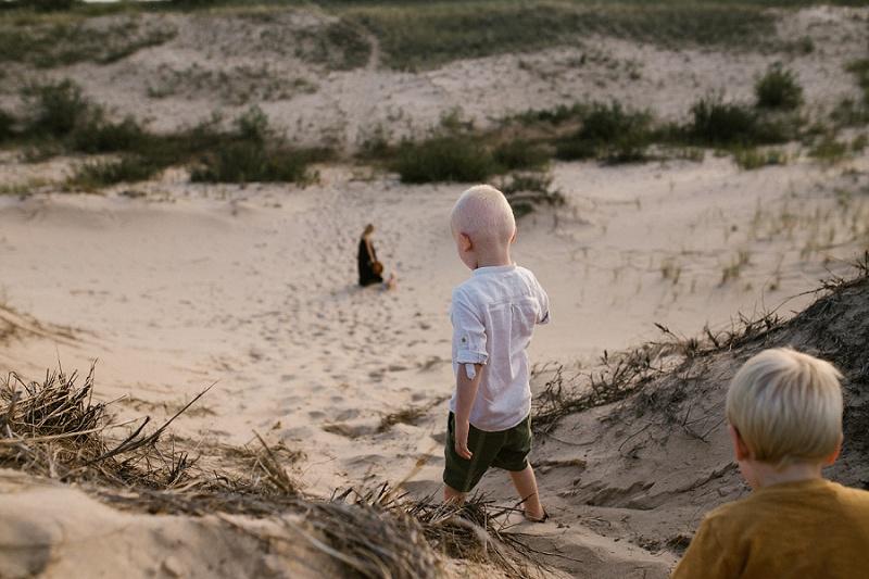 ludington-michigan-photographer-beach-session-minis_0010.jpg