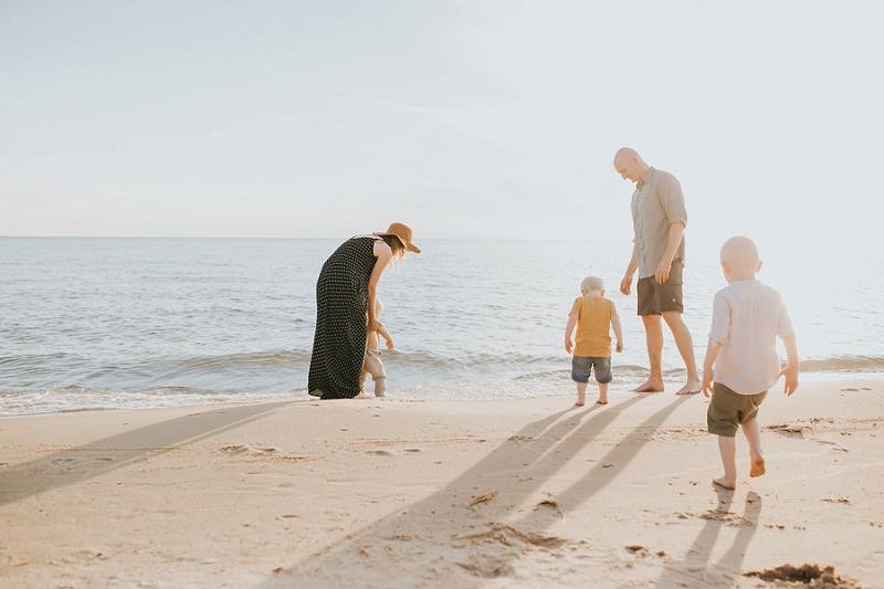 ludington-michigan-photographer-beach-session-minis_0013.jpg