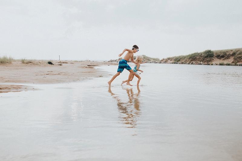 ludington-michigan-photographer-beach-session-minis_0045.jpg