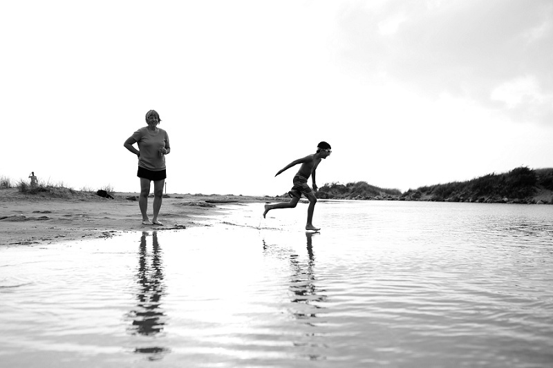 ludington-michigan-photographer-beach-session-minis_0048.jpg