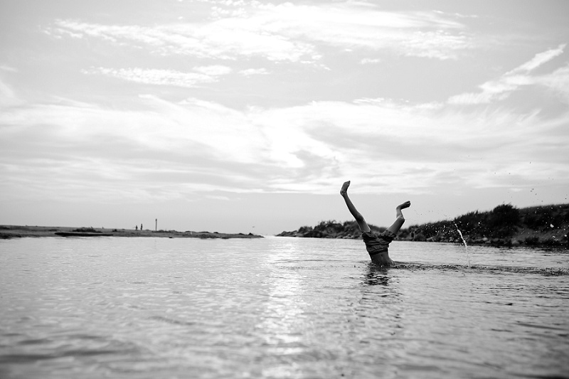 ludington-michigan-photographer-beach-session-minis_0054.jpg