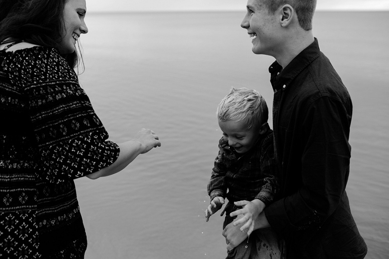 west-michigan-family-photographer-ludington-michigan-lifestyle-beach-session-with-the-jacobis-0057.jpg