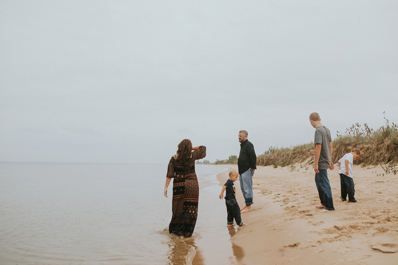 west-michigan-family-photographer-ludington-michigan-lifestyle-beach-session-with-the-jacobis-0319.jpg
