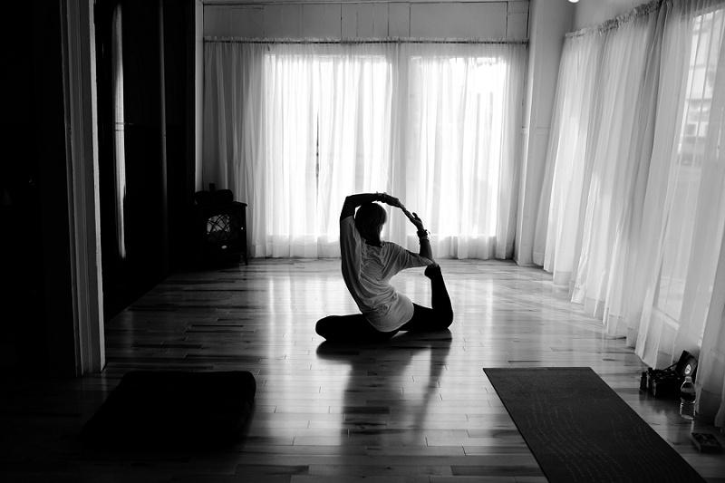 west-michigan-yoga-pound-fit-studio-stay-twisted-ludington-michigan-yoga-spin-pound-fit-studio-lauri-8301.jpg