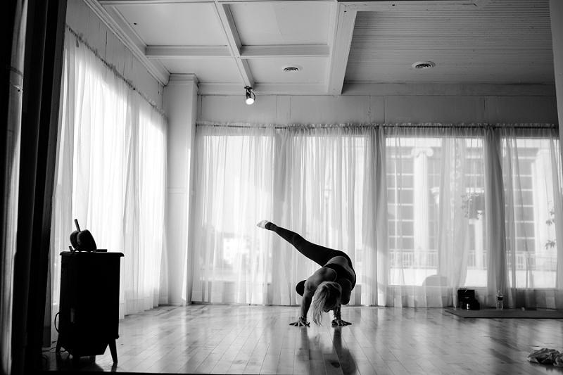 west-michigan-yoga-pound-fit-studio-stay-twisted-ludington-michigan-yoga-spin-pound-fit-studio-lauri-8310.jpg