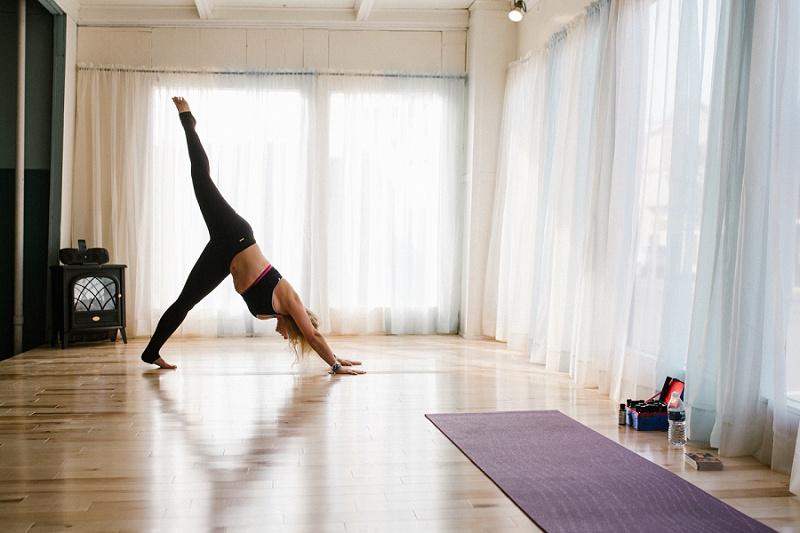 west-michigan-yoga-pound-fit-studio-stay-twisted-ludington-michigan-yoga-spin-pound-fit-studio-lauri-8319.jpg