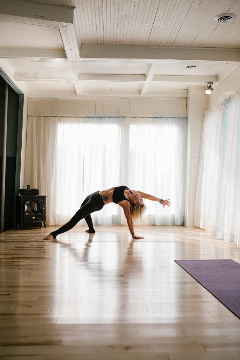 west-michigan-yoga-pound-fit-studio-stay-twisted-ludington-michigan-yoga-spin-pound-fit-studio-lauri-8323.jpg
