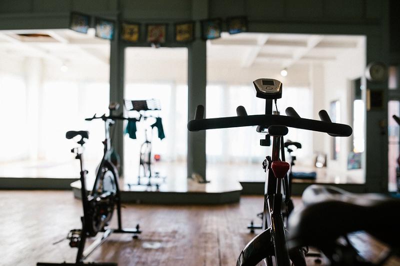 west-michigan-yoga-pound-fit-studio-stay-twisted-ludington-michigan-yoga-spin-pound-fit-studio-lauri-8329.jpg