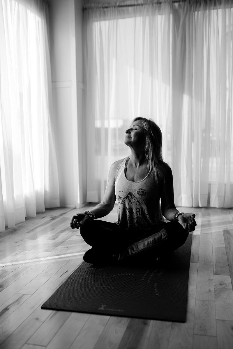 west-michigan-yoga-pound-fit-studio-stay-twisted-ludington-michigan-yoga-spin-pound-fit-studio-lauri-8355.jpg