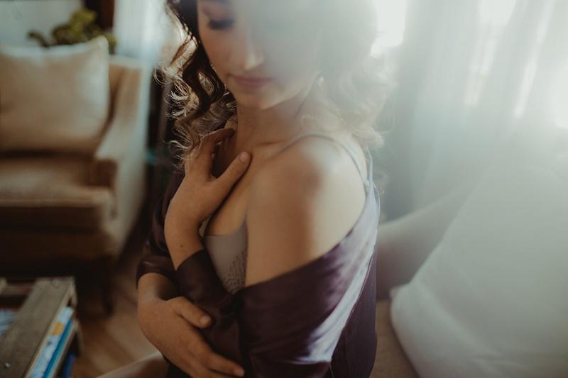 west-michigan-boudoir-photographer-ludington-michigan-womens-portraiture-short-session-with-kayla-9297.jpg