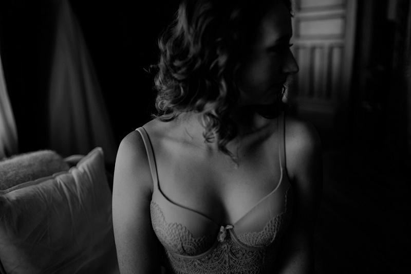 west-michigan-boudoir-photographer-ludington-michigan-womens-portraiture-short-session-with-kayla-9345.jpg