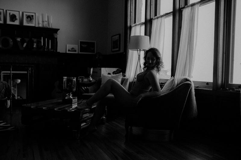 west-michigan-boudoir-photographer-ludington-michigan-womens-portraiture-short-session-with-kayla-9395.jpg