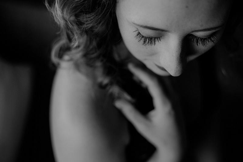 west-michigan-boudoir-photographer-ludington-michigan-womens-portraiture-short-session-with-kayla-9444.jpg