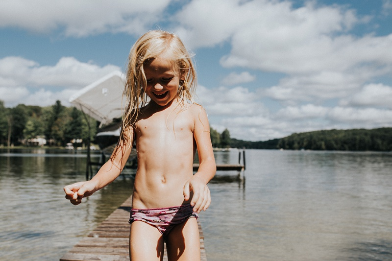 ludington-michigan-lifestyle-photographer-creek-kids-8935.jpg