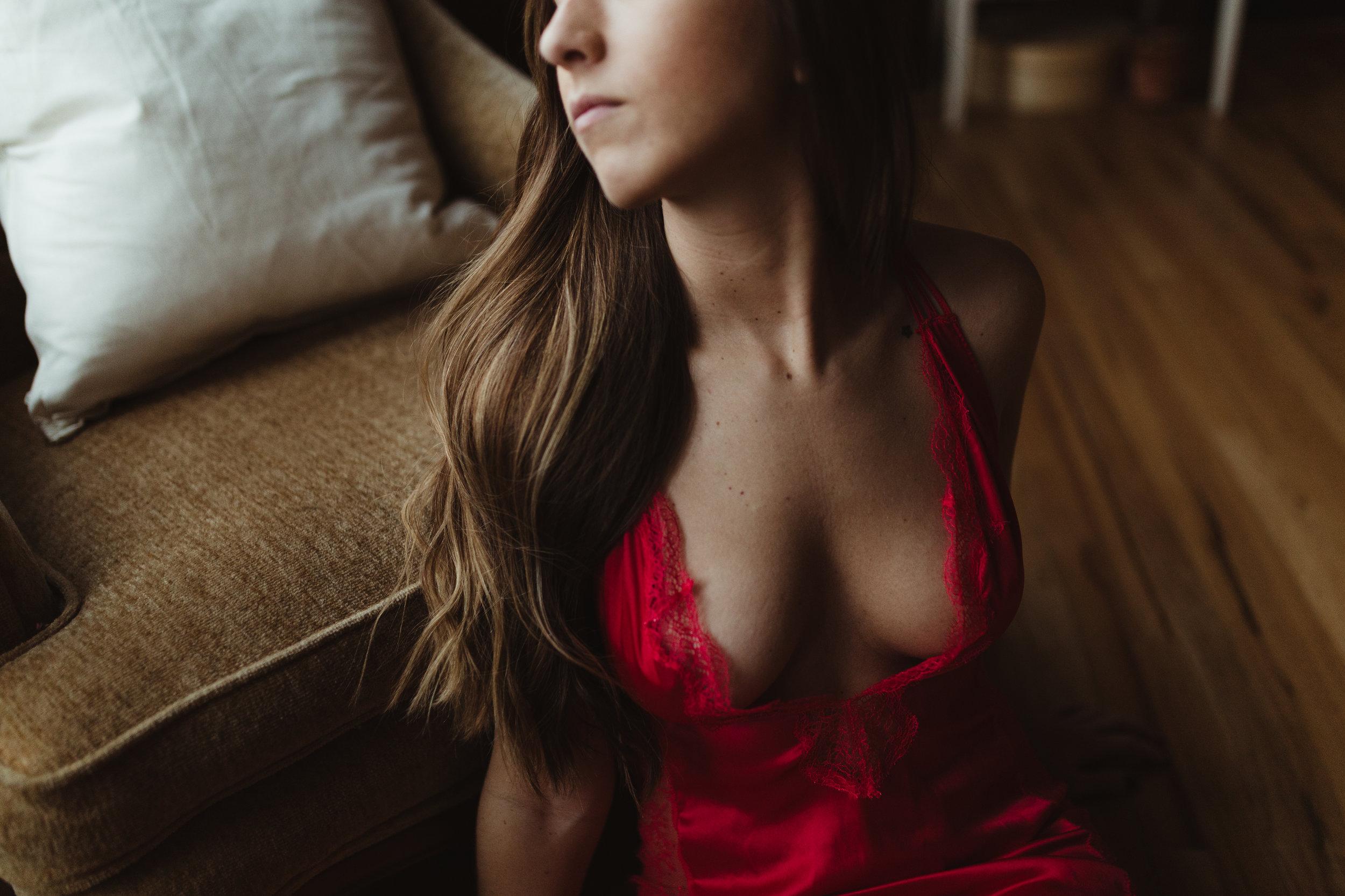 michigan-boudoir-photographer-ludington-intimate-portraiture-short-sessions-jessica-max-2823.jpg
