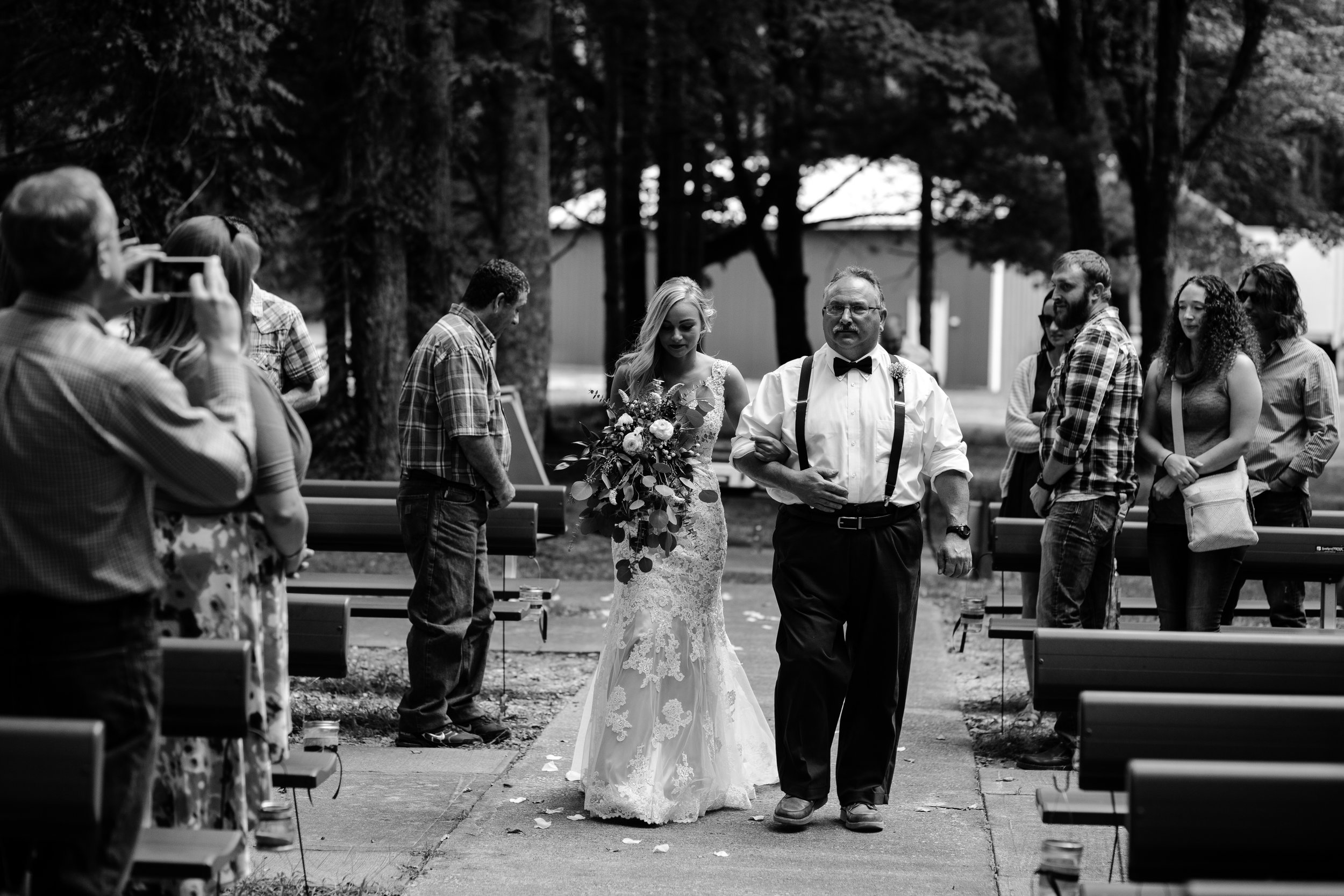 west-michigan-wedding-photographer-whitehall-rachel-austin-chapel-in-the-pines-250.jpg