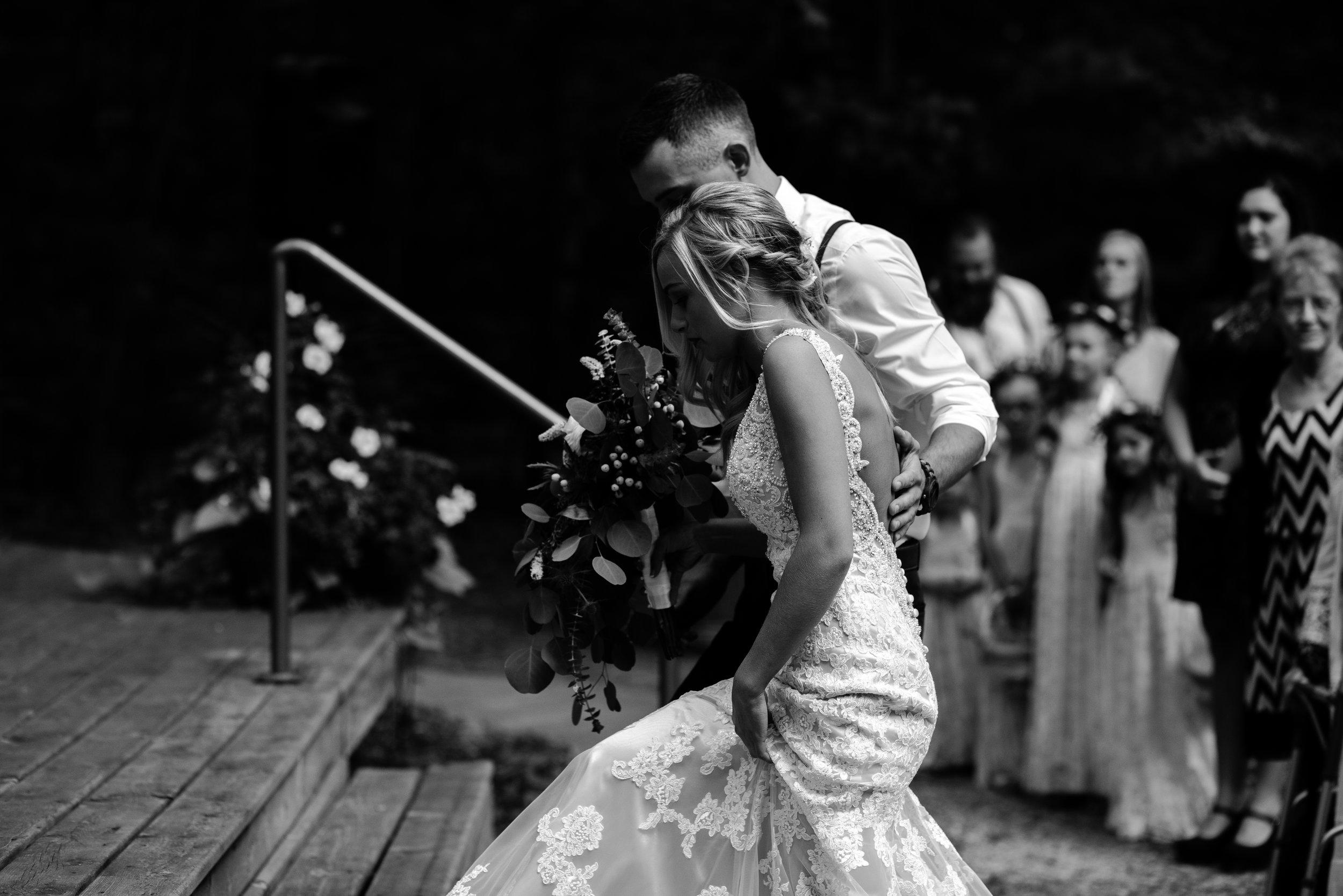 west-michigan-wedding-photographer-whitehall-rachel-austin-chapel-in-the-pines-264.jpg