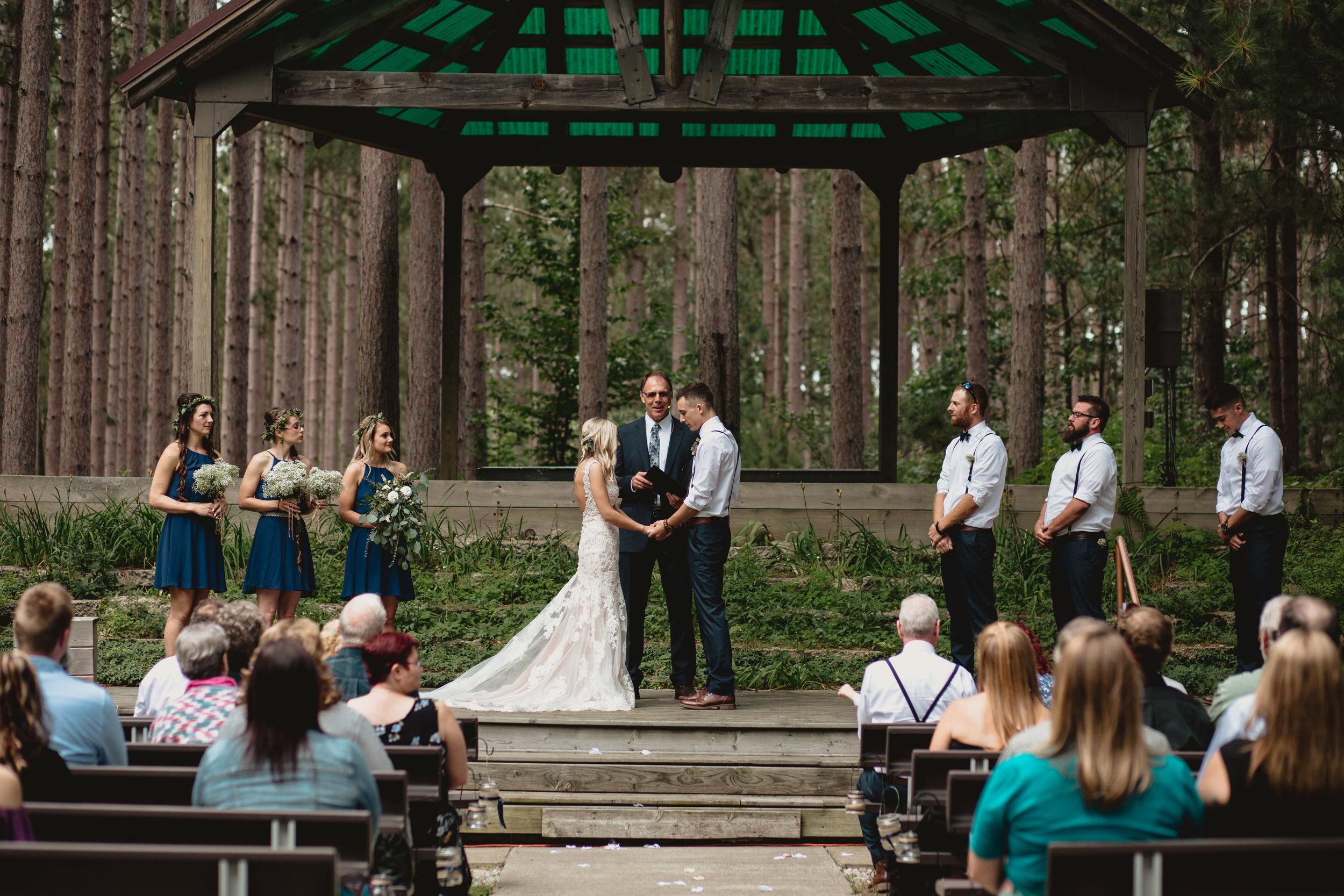 west-michigan-wedding-photographer-whitehall-rachel-austin-chapel-in-the-pines-275.jpg
