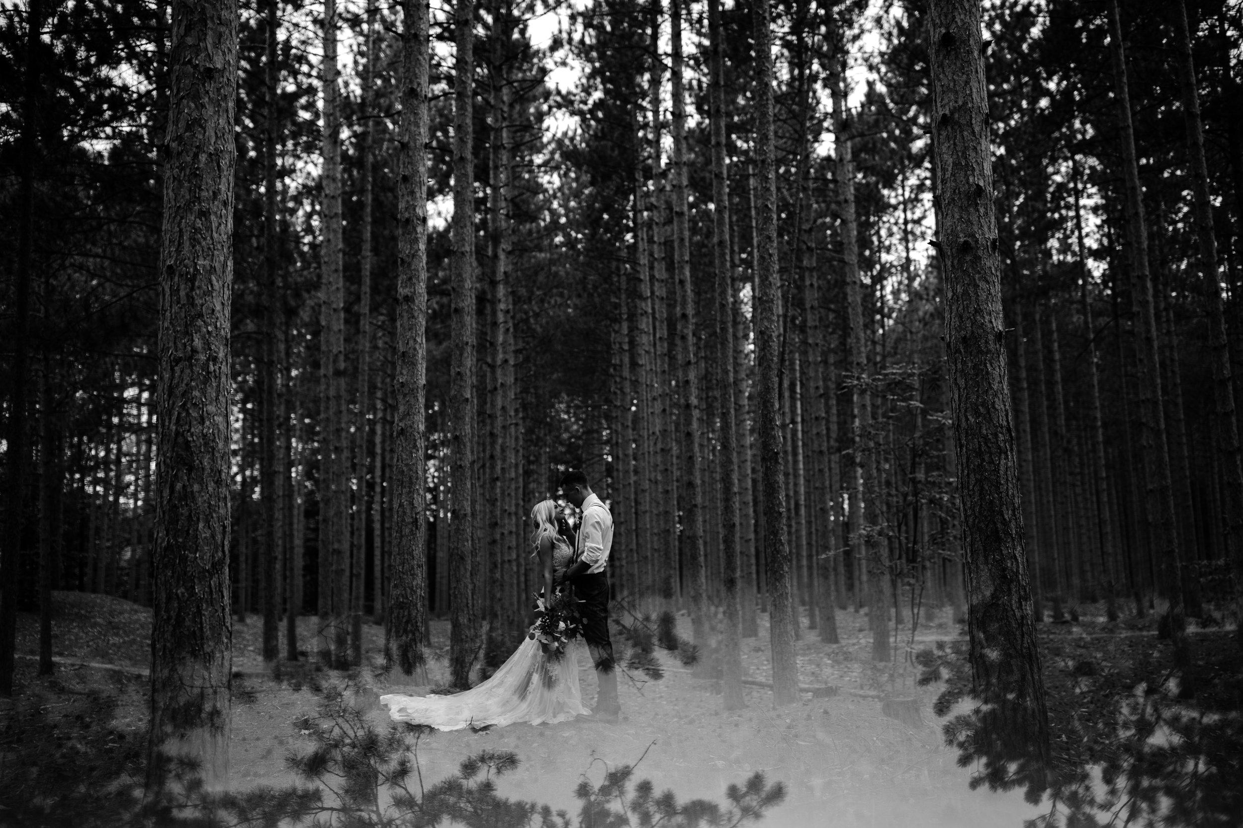 west-michigan-wedding-photographer-whitehall-rachel-austin-chapel-in-the-pines-493.jpg