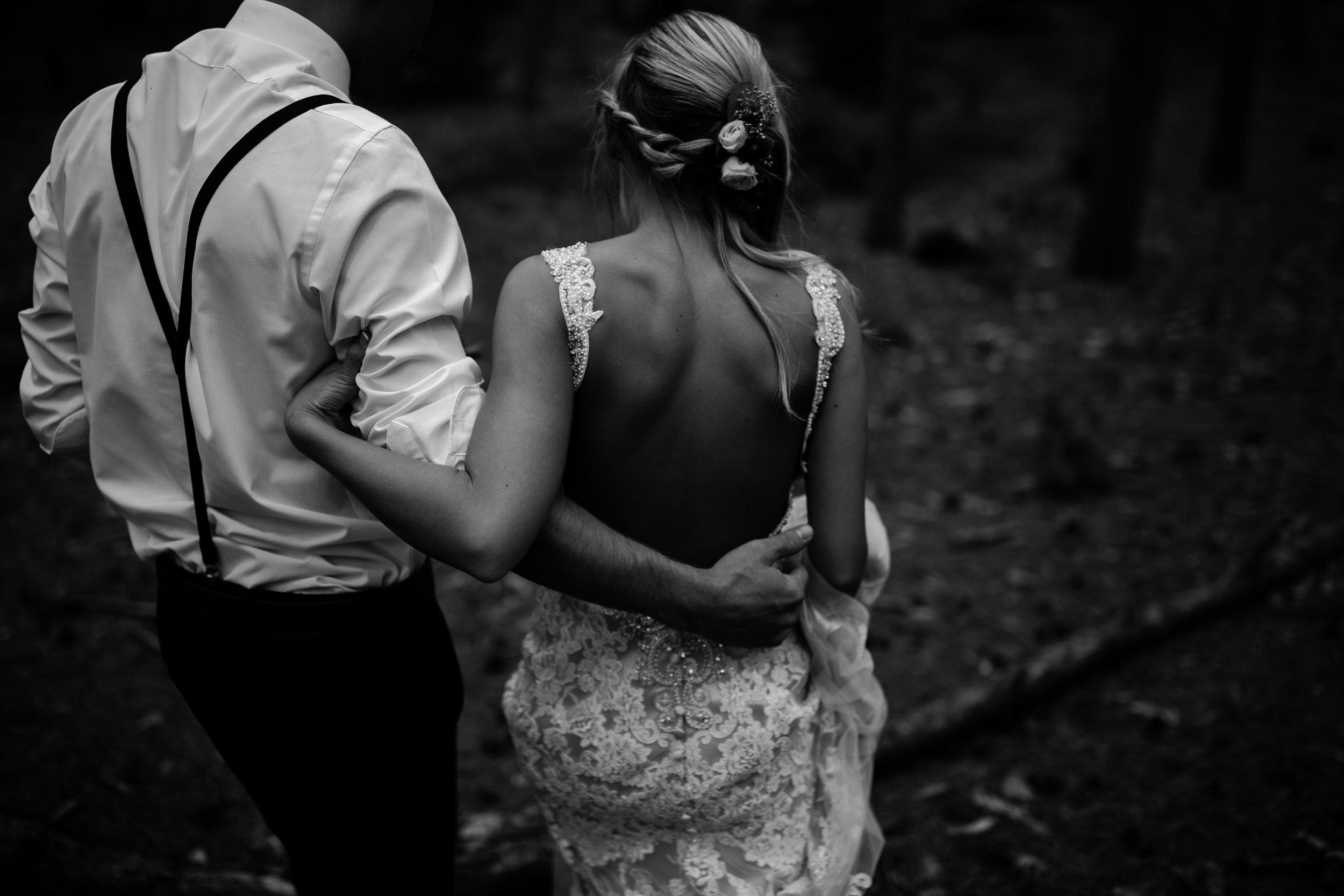 west-michigan-wedding-photographer-whitehall-rachel-austin-chapel-in-the-pines-580.jpg