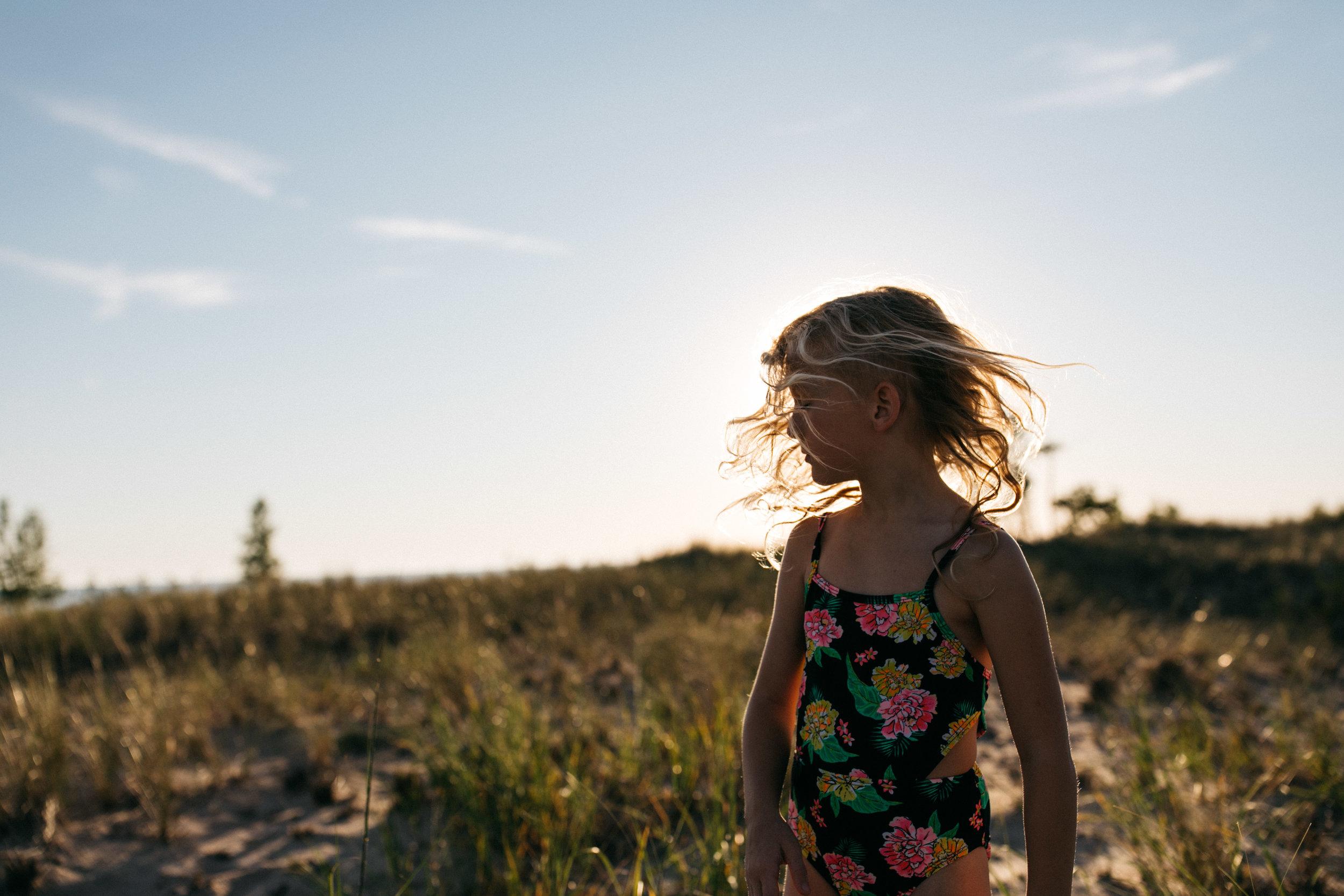 michigan-storytelling-photographer-ludington-beach-live-28.jpg
