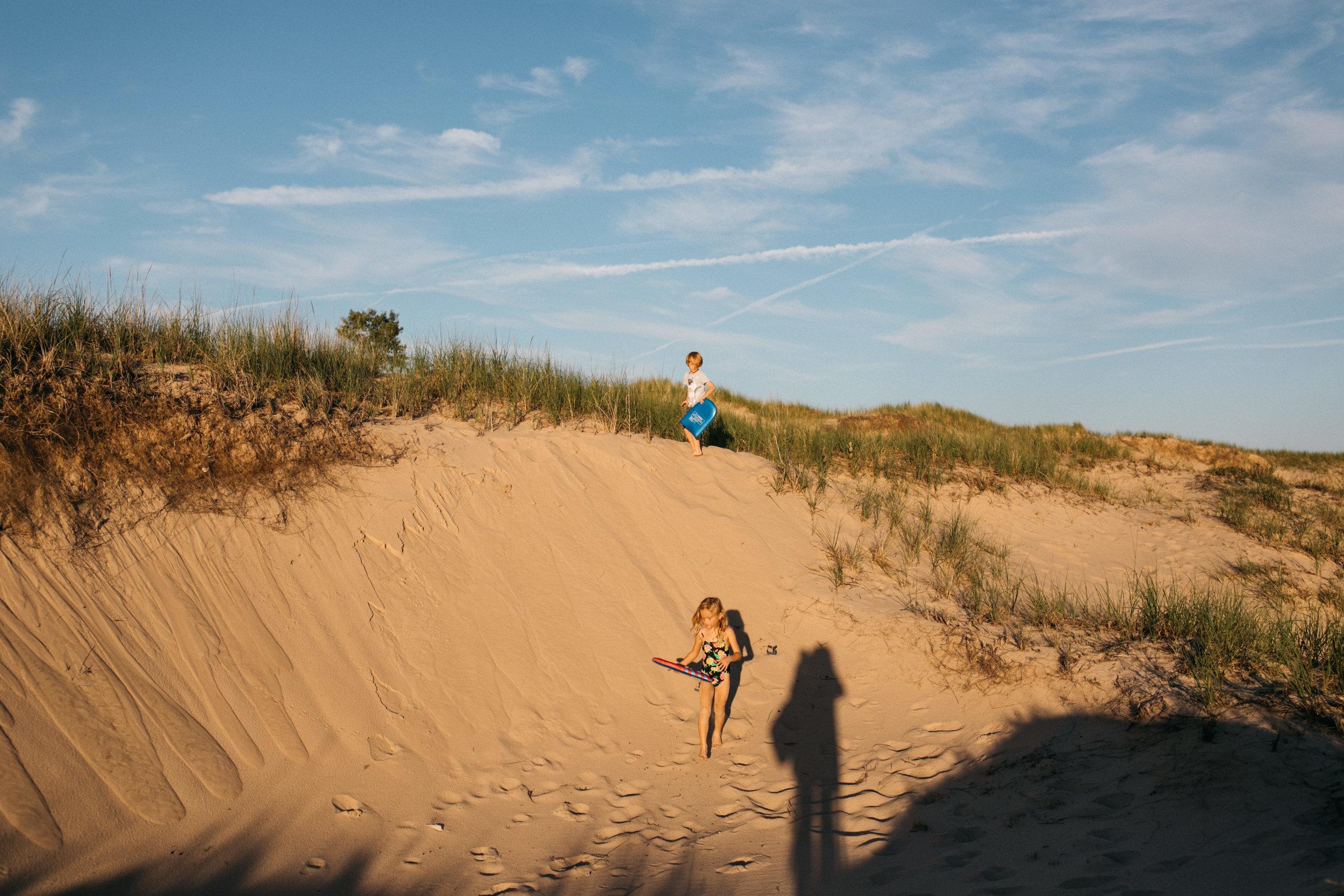 michigan-storytelling-photographer-ludington-beach-live-31.jpg