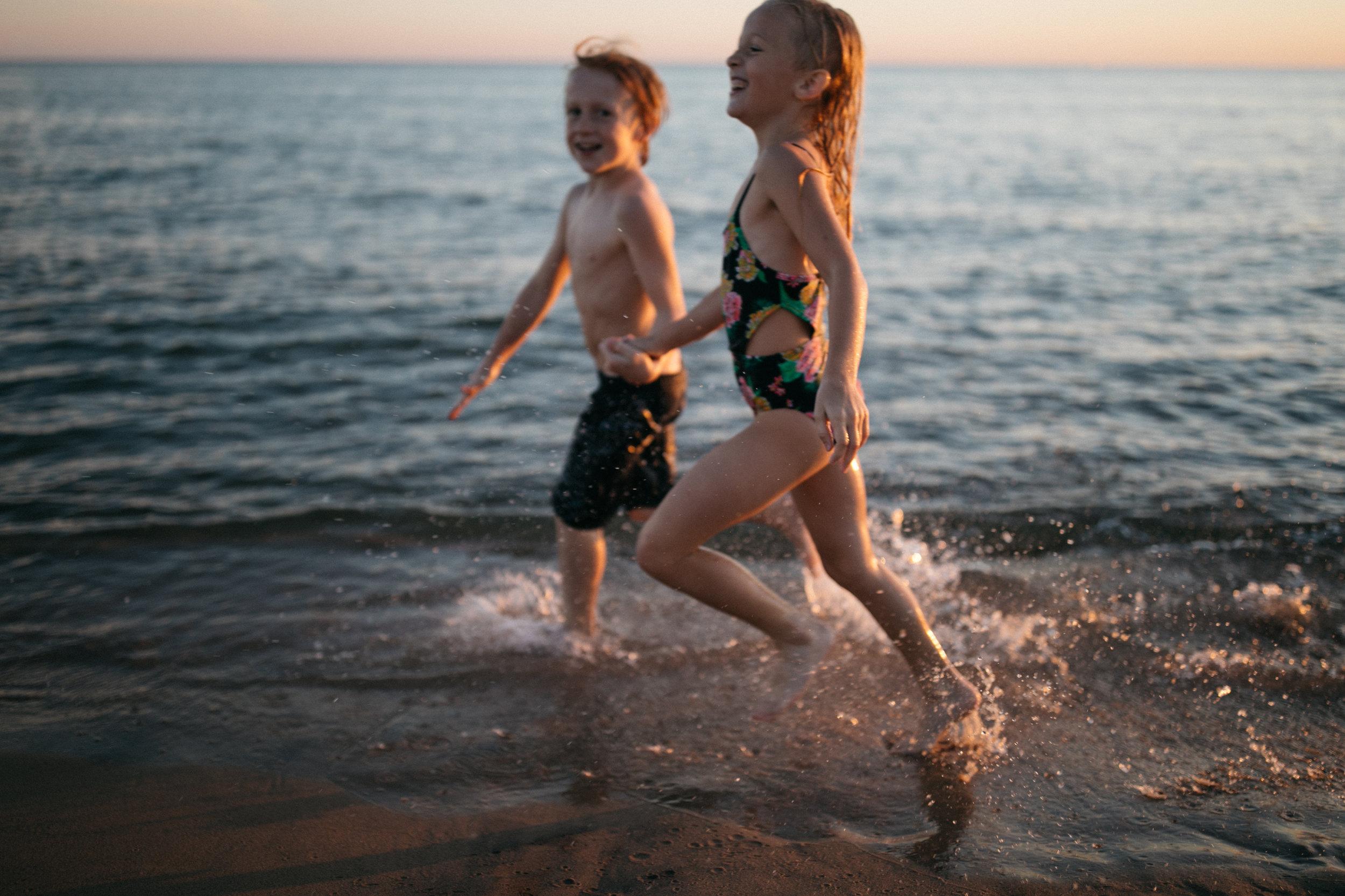 michigan-storytelling-photographer-ludington-beach-live-264.jpg