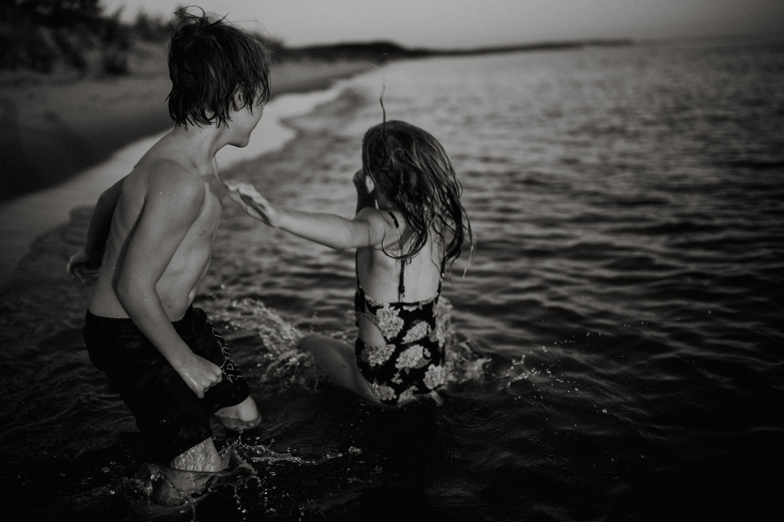 michigan-storytelling-photographer-ludington-beach-live-273.jpg