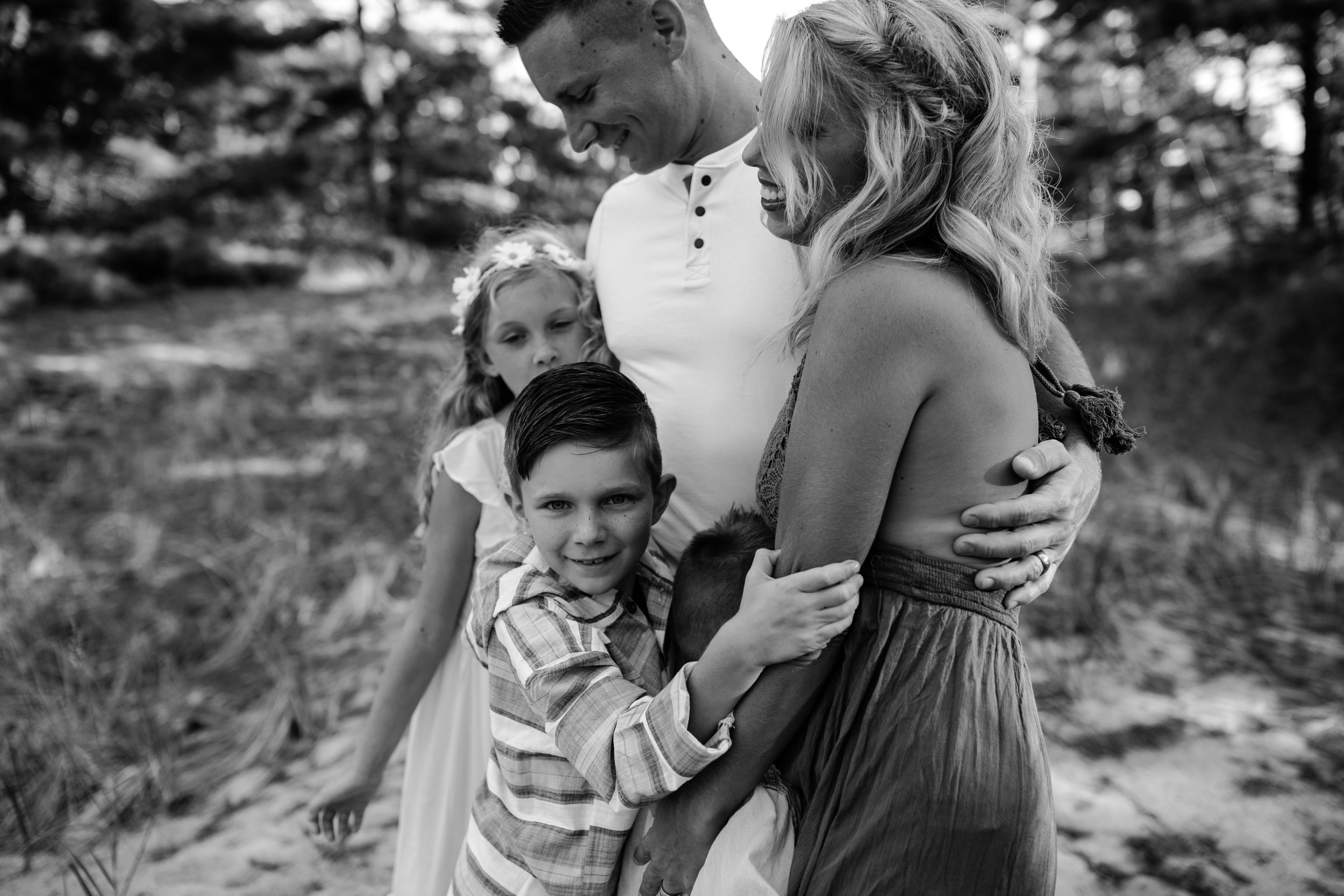 michigan-storytelling-photographer-ludington-mi-state-park-andrews-family-sunset-session-37.jpg