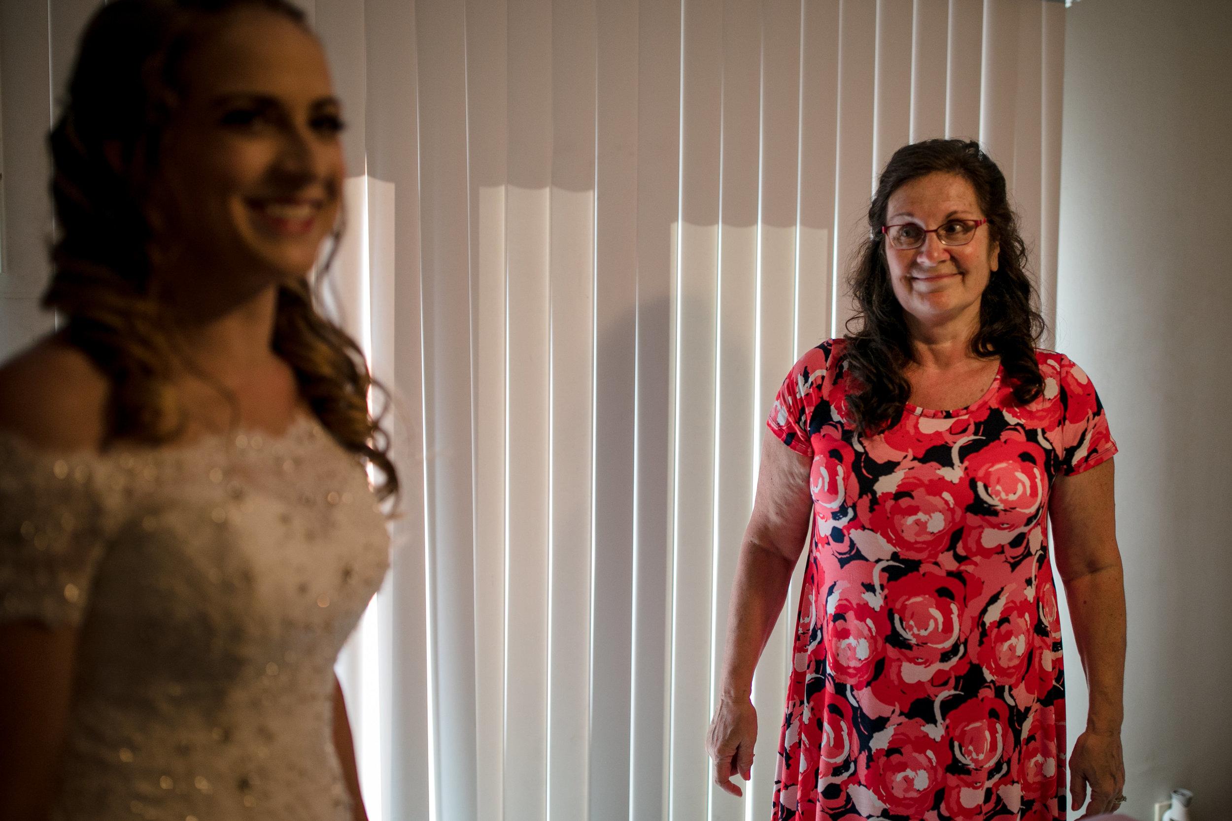 ludington-michigan-intimate-backyard-wedding-jessica-nolan44.jpg