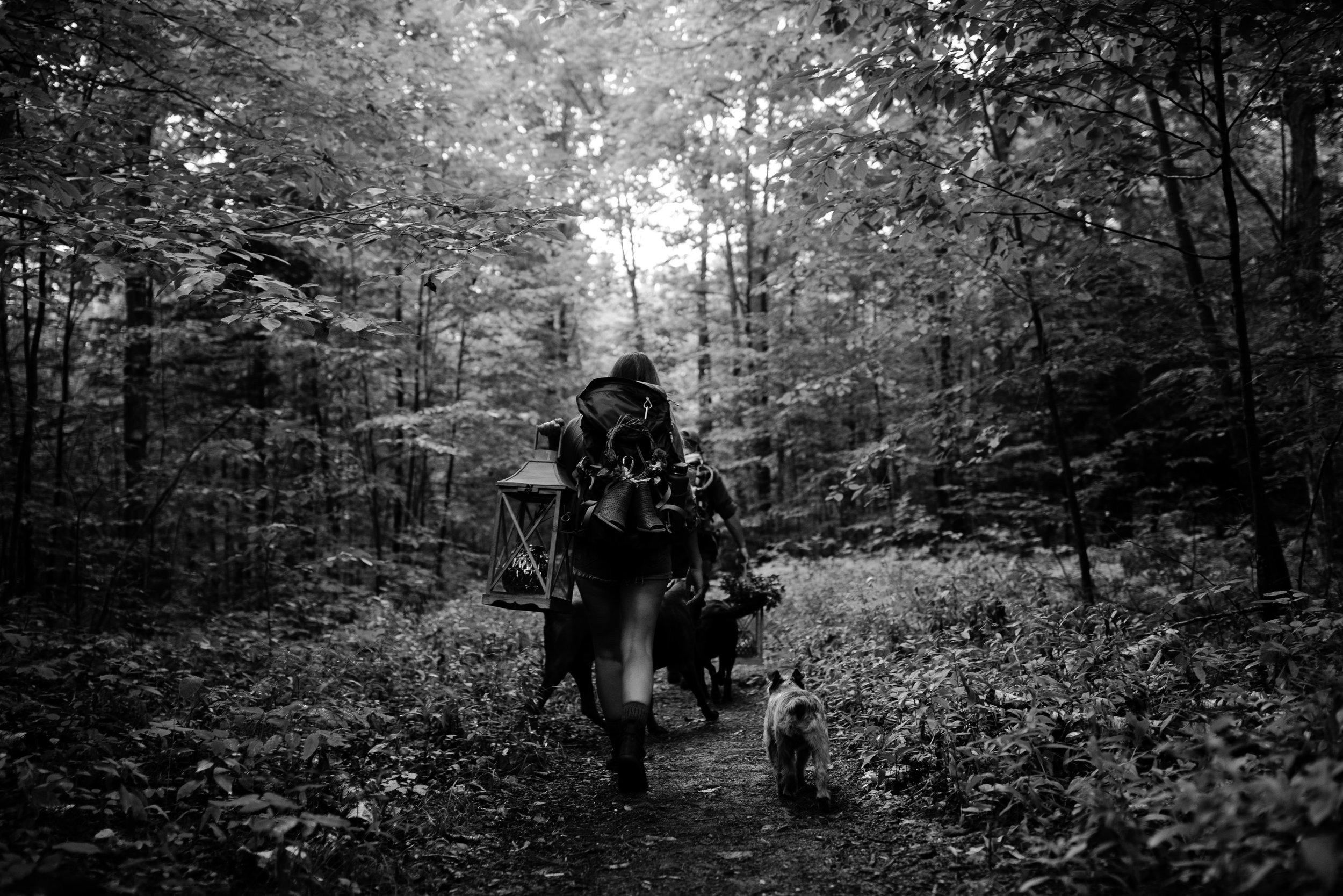 michigan-emotive-photographer-moonlight-elopement-mariha-hunter-18.jpg
