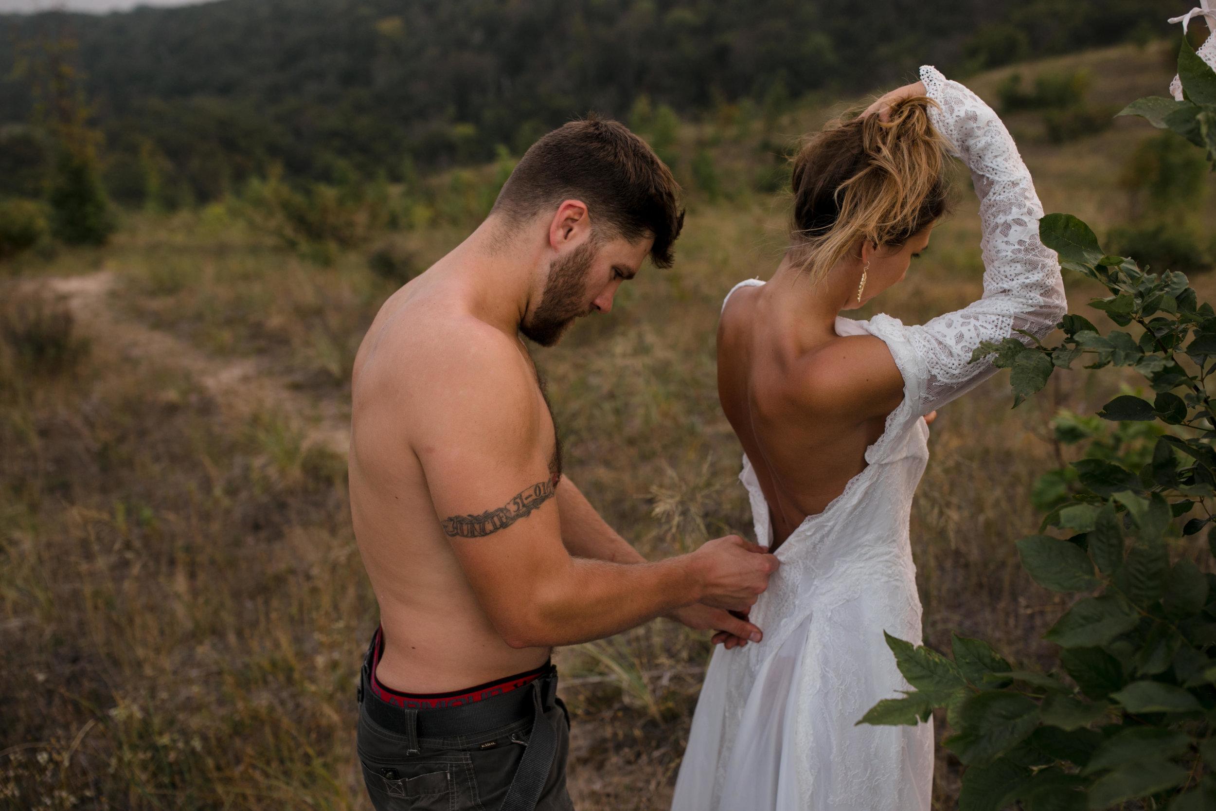 michigan-emotive-photographer-moonlight-elopement-mariha-hunter-100.jpg