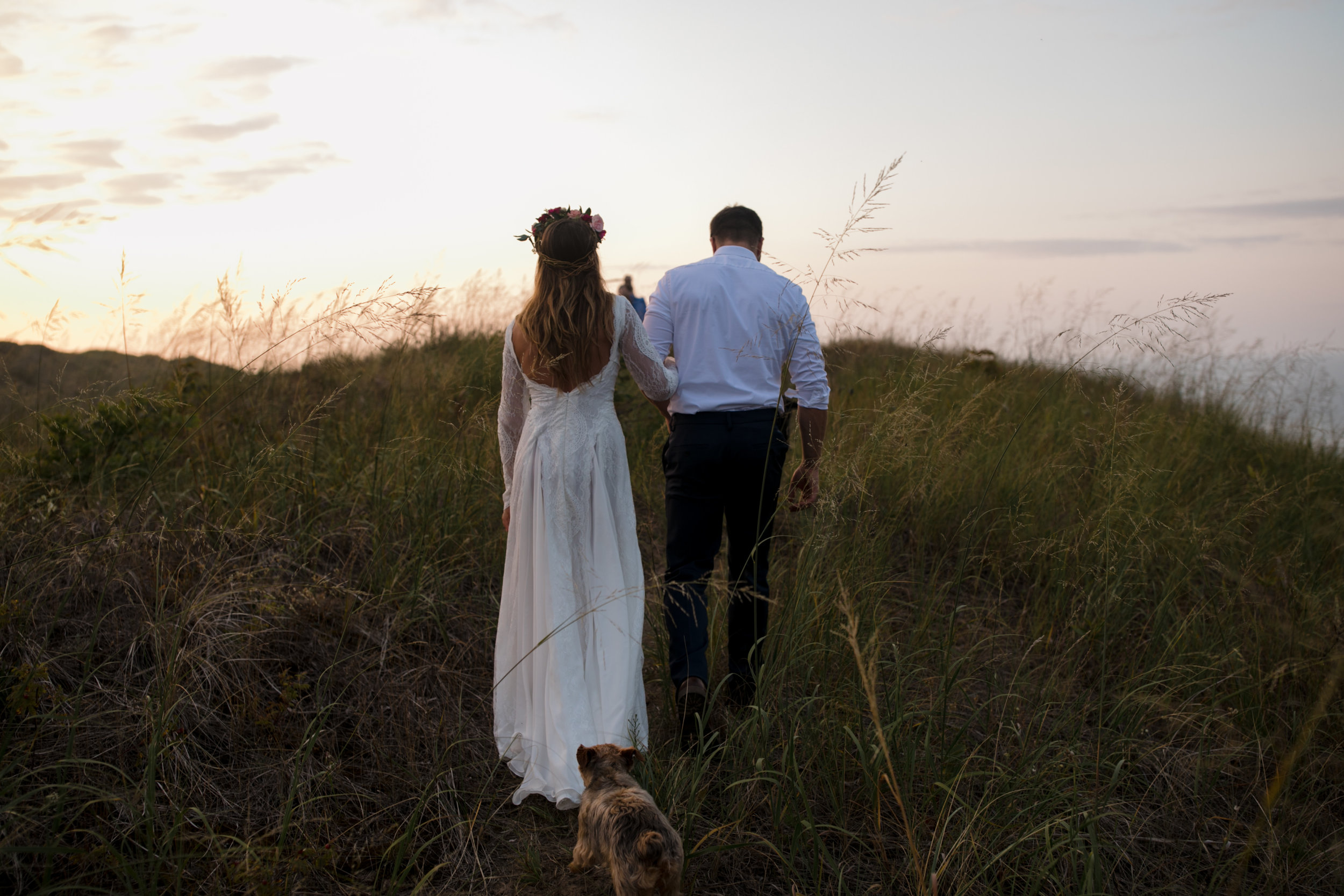 michigan-emotive-photographer-moonlight-elopement-mariha-hunter-121.jpg
