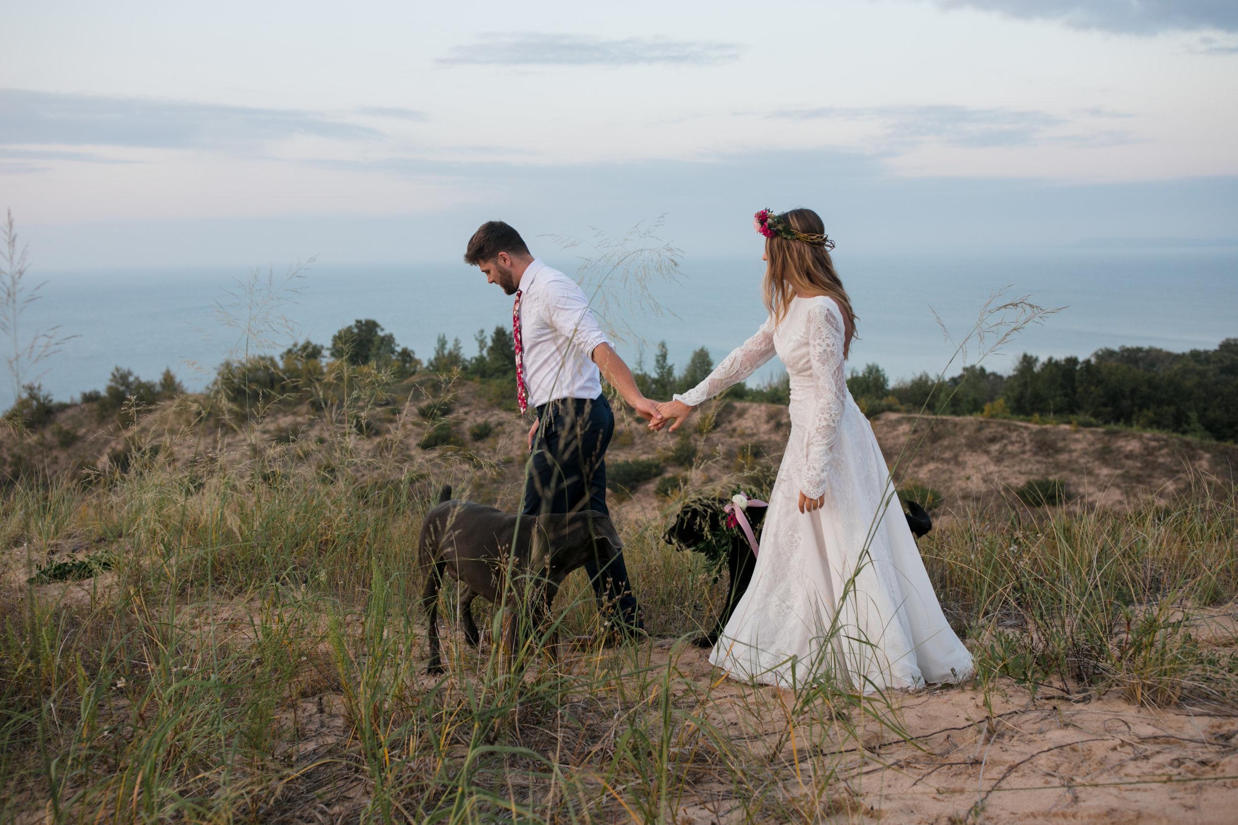 michigan-emotive-photographer-moonlight-elopement-mariha-hunter-130.jpg