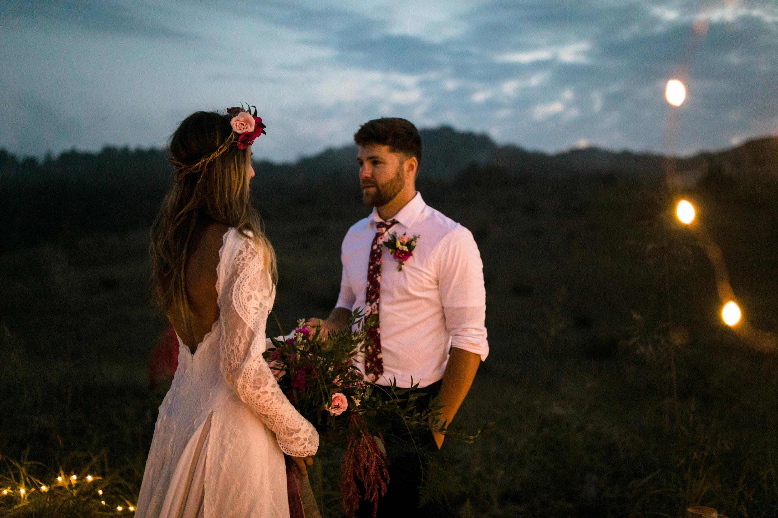 michigan-emotive-photographer-moonlight-elopement-mariha-hunter-268.jpg