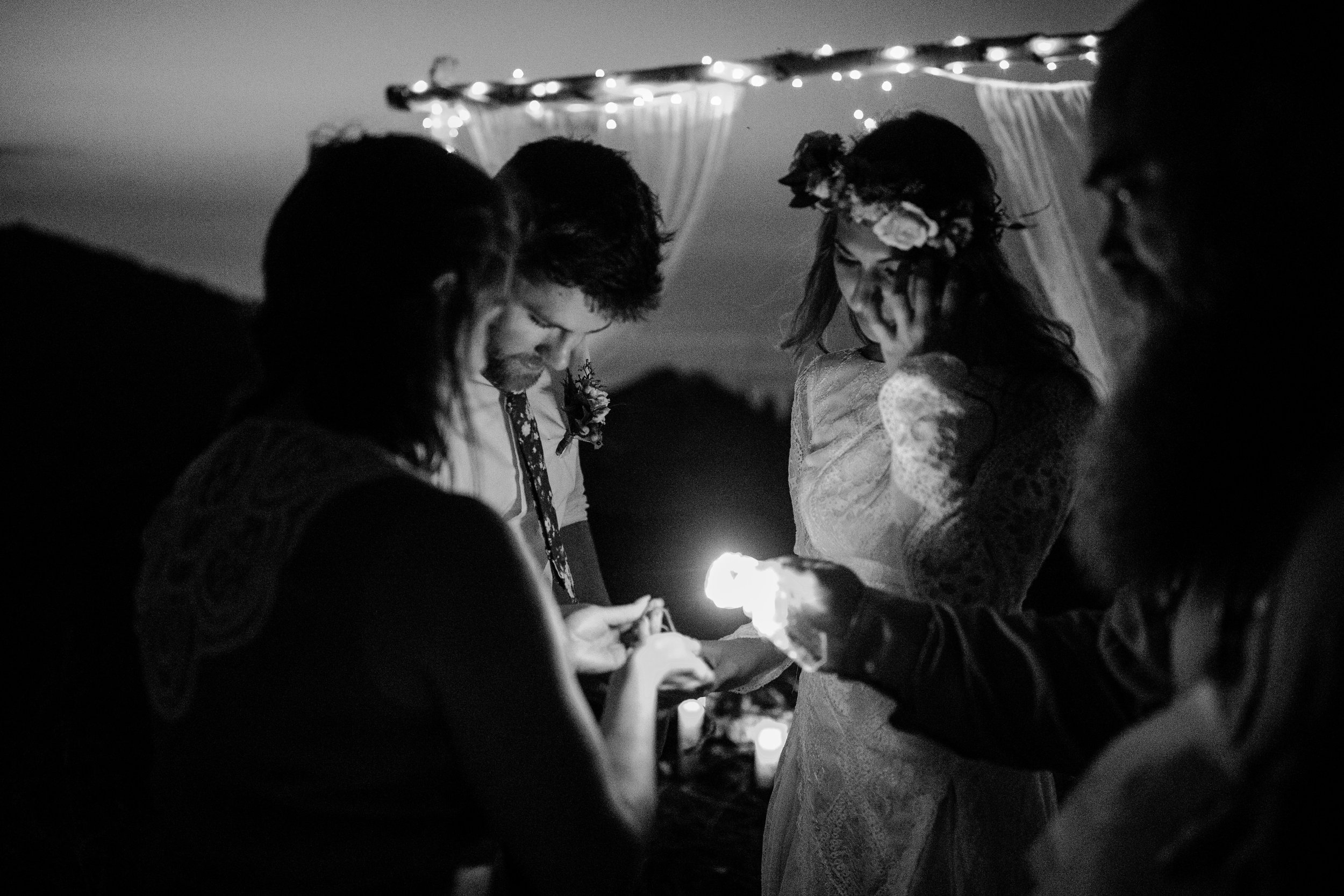 michigan-emotive-photographer-moonlight-elopement-mariha-hunter-288.jpg