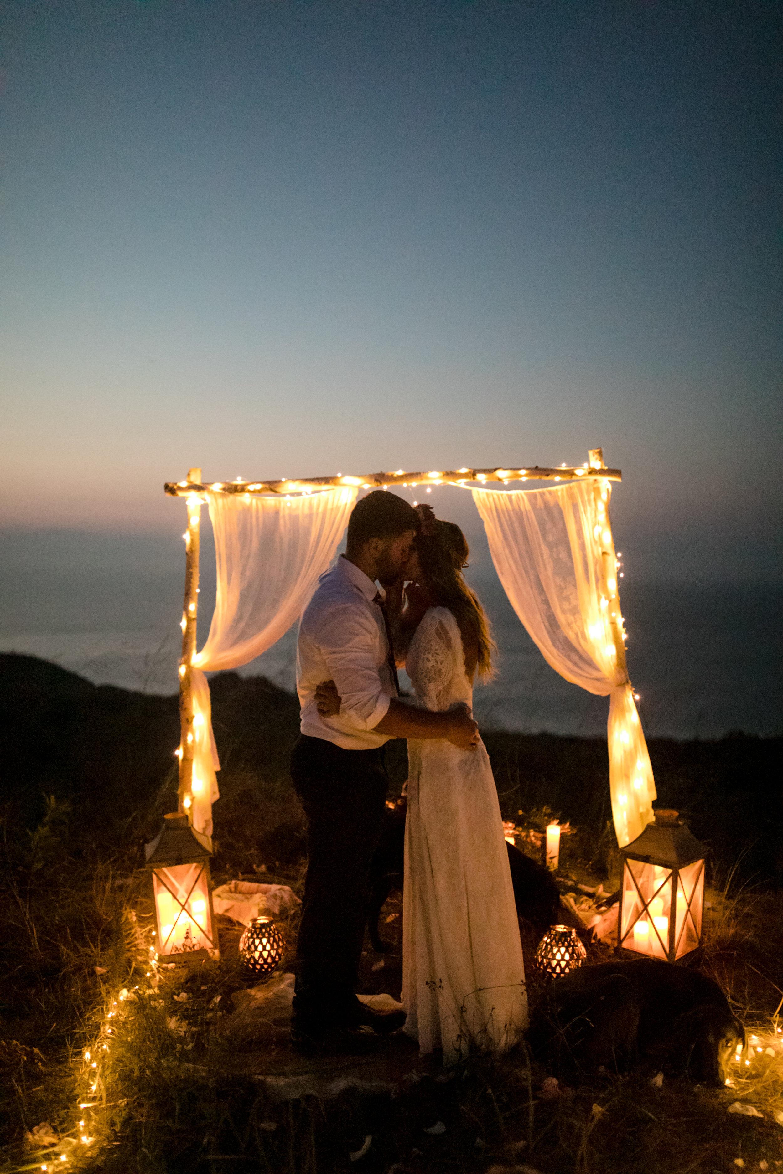 michigan-emotive-photographer-moonlight-elopement-mariha-hunter-294.jpg