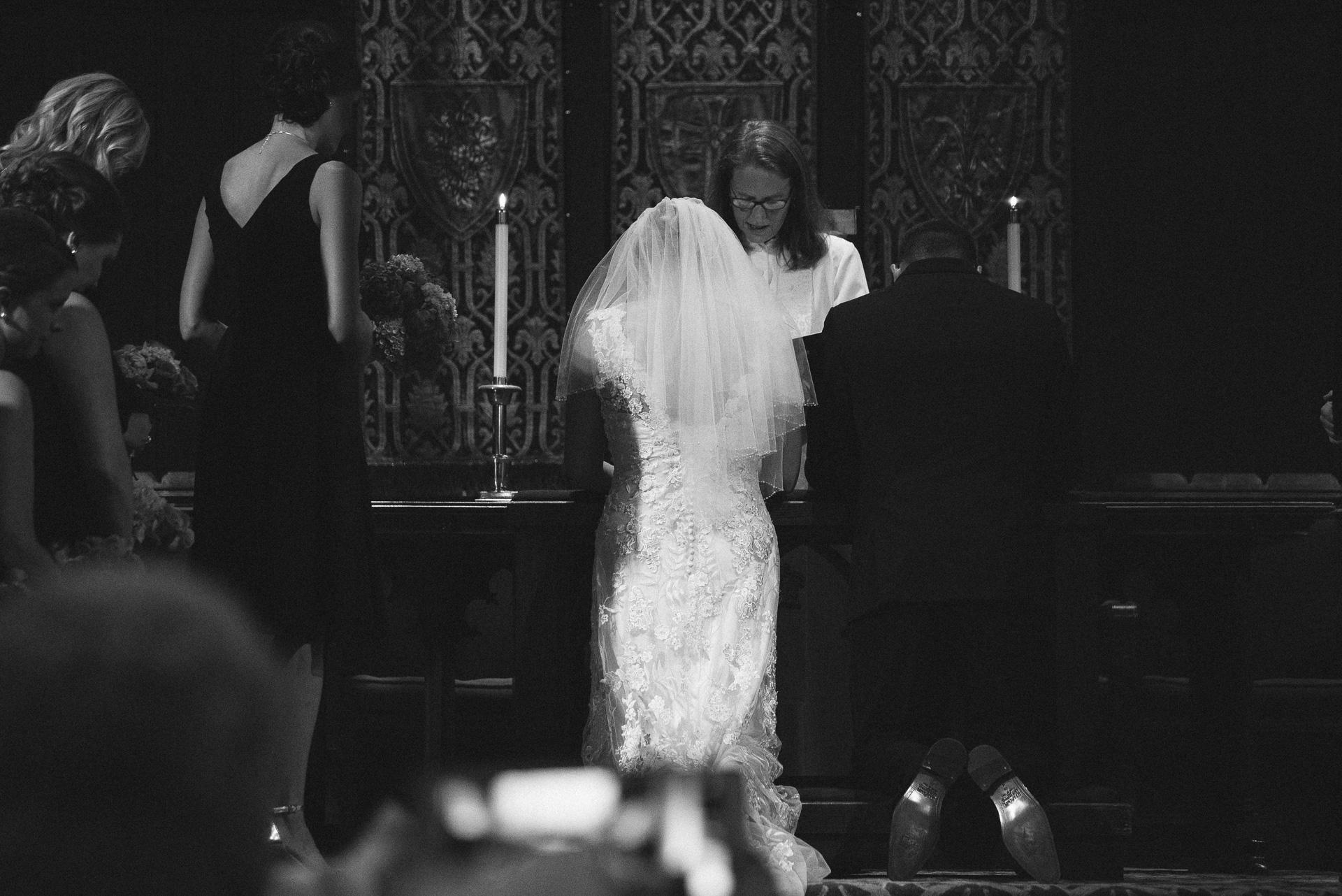 Dayton Wedding Photographer - Bride and Groom Pray