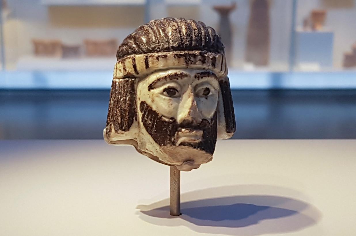 israel-king-head-scultpture.jpg
