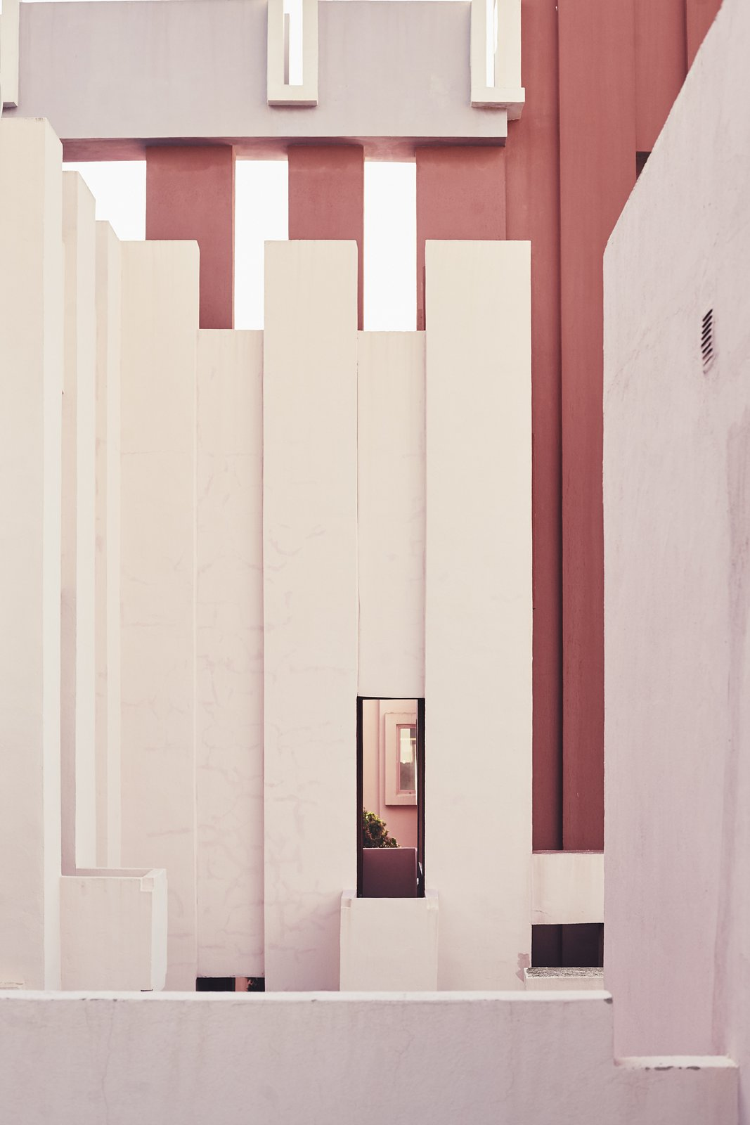 La Muralla Roja apartment complex by Ricardo Bofill - photo by Nacho Alegre.jpg