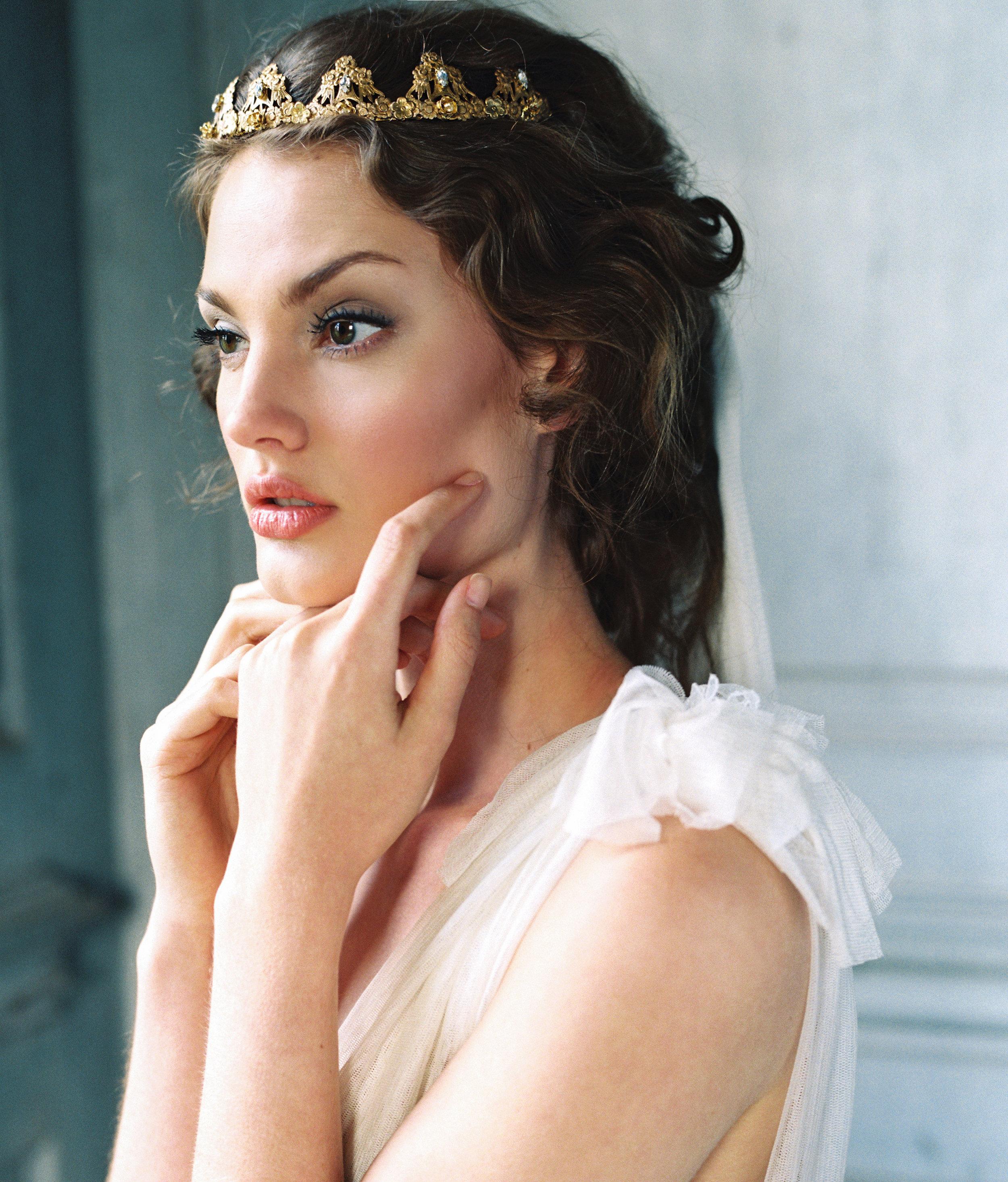 Elizabeth Crown.jpg