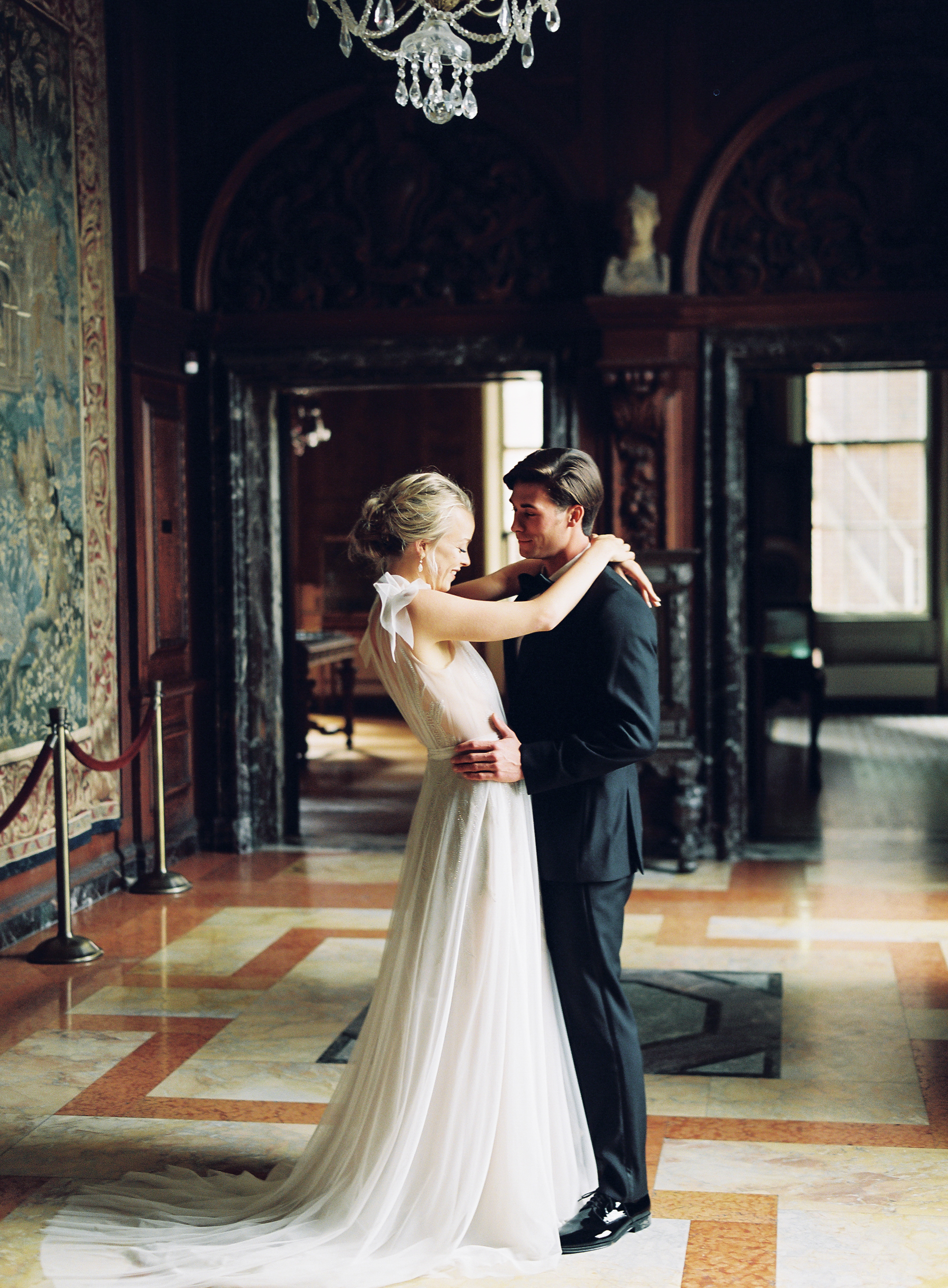 Vicki_Grafton_Photography_Anderson_House_Wedding_DC_-278.jpg