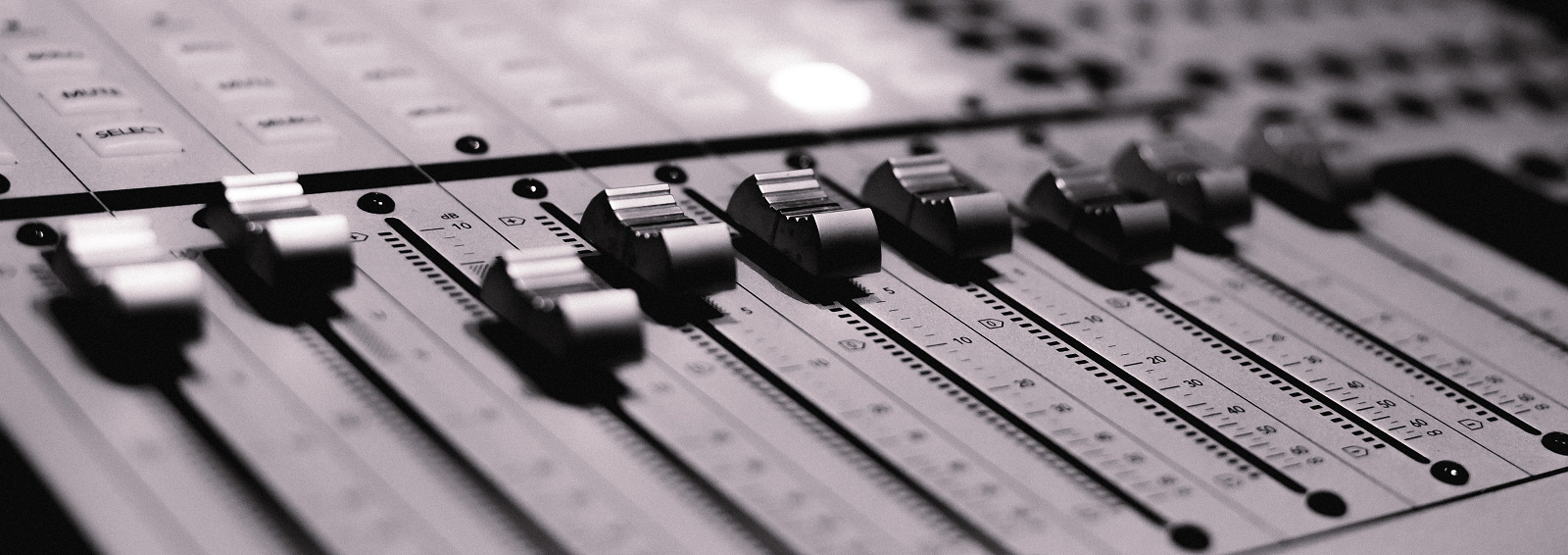 DB2_9678 faders 2.png