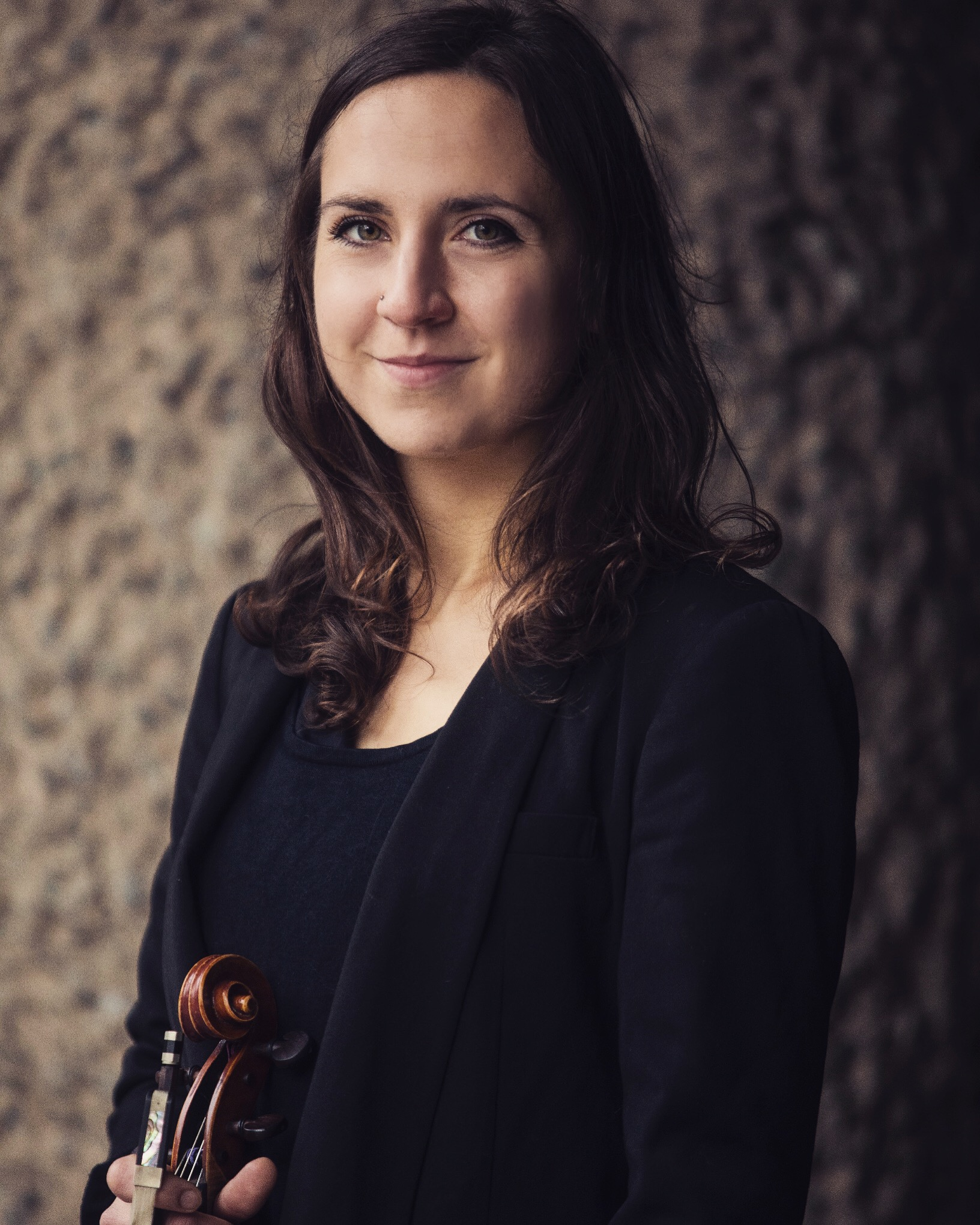 Luba Tunnicliffe - ViolaLubaTunnicliffe has performed solo recitals at the Royal Festival Hall and St John's Smith Square, and made her debut as concerto soloist with the Philharmonia Orchestra in June 2016. She won the Guildhall's Max and Peggy Morgan Award with the Bartok Viola Concerto and was viola soloist in Mozart's Sinfonia Concertante with Alexander Janiczek and the Guildhall Chamber Orchestra in Milton Court Concert Hall, Barbican. She is a recipient of the Philip and Dorothy Green Award for Young Artists through Making Music UK.She studied at the Guildhall School of Music and Drama with David Takeno and Pavlo Beznosiuk, and the Hochschule für Musik Hanns Eisler, Berlin with Simone Jandl. Previously, she studied with Jacky Woods at the Junior Royal Academy of Music.Lubaperforms regularly throughout the UK with her two award-winning chamber groups - the Pelléas Ensemble and the Ruisi String Quartet. They have both received awards from the Royal Philharmonic Society and the Tunnell Trust, and have appeared on BBC Radio 3's 'In Tune'.