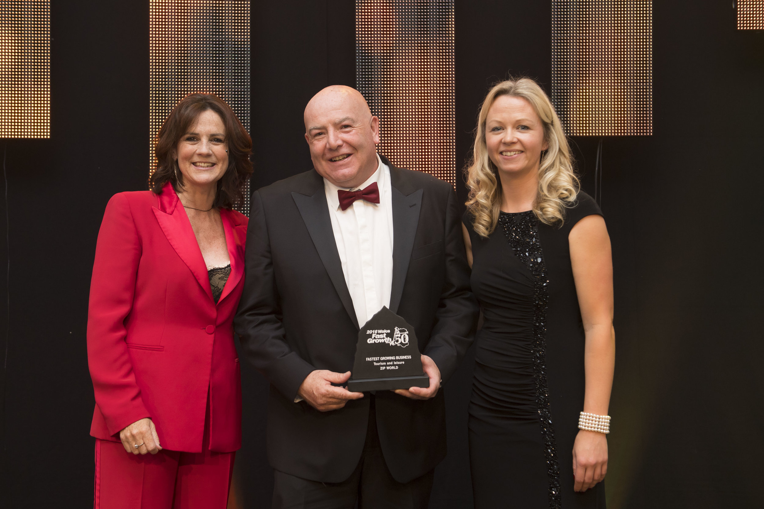 Grapevine presents the Tourism and Leisure Award to ZipWorld UK at The Fast Growth 50 Awards