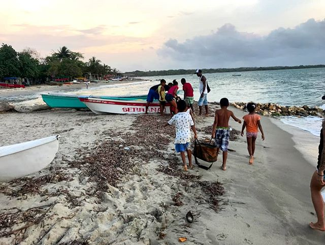 We're proud to be working together with the @fundacione2e and ASOPESAMRIN fishing cooperative in #Colombia to put GPS tracking technology in the service of the local fishing communities. #VTS #vesseltracker #dataanalytics #GPS #solarpowered #fisheriesmanagement #saveouroceans #community