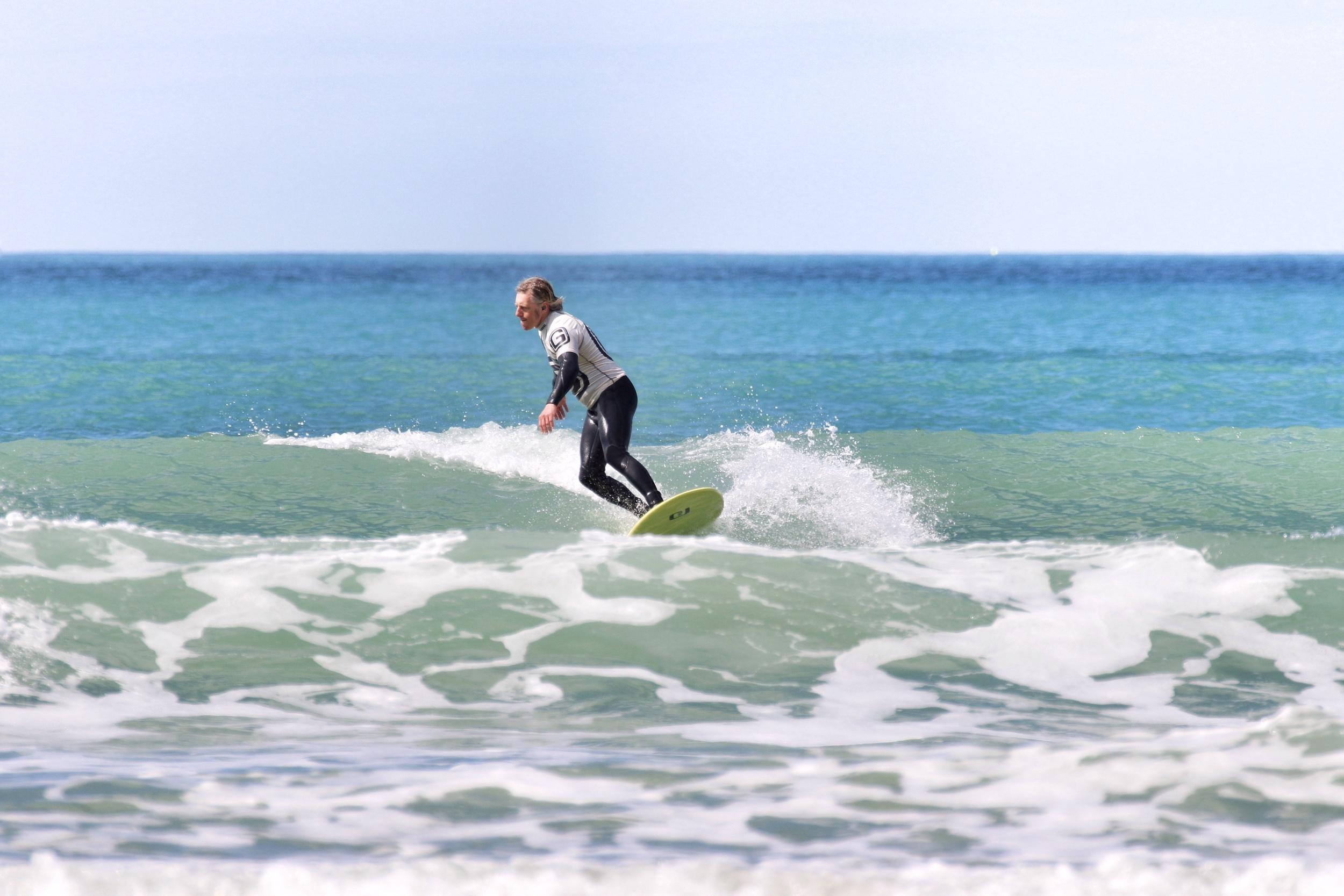 George's Surf School    IMMERSIVE SURF COURSES