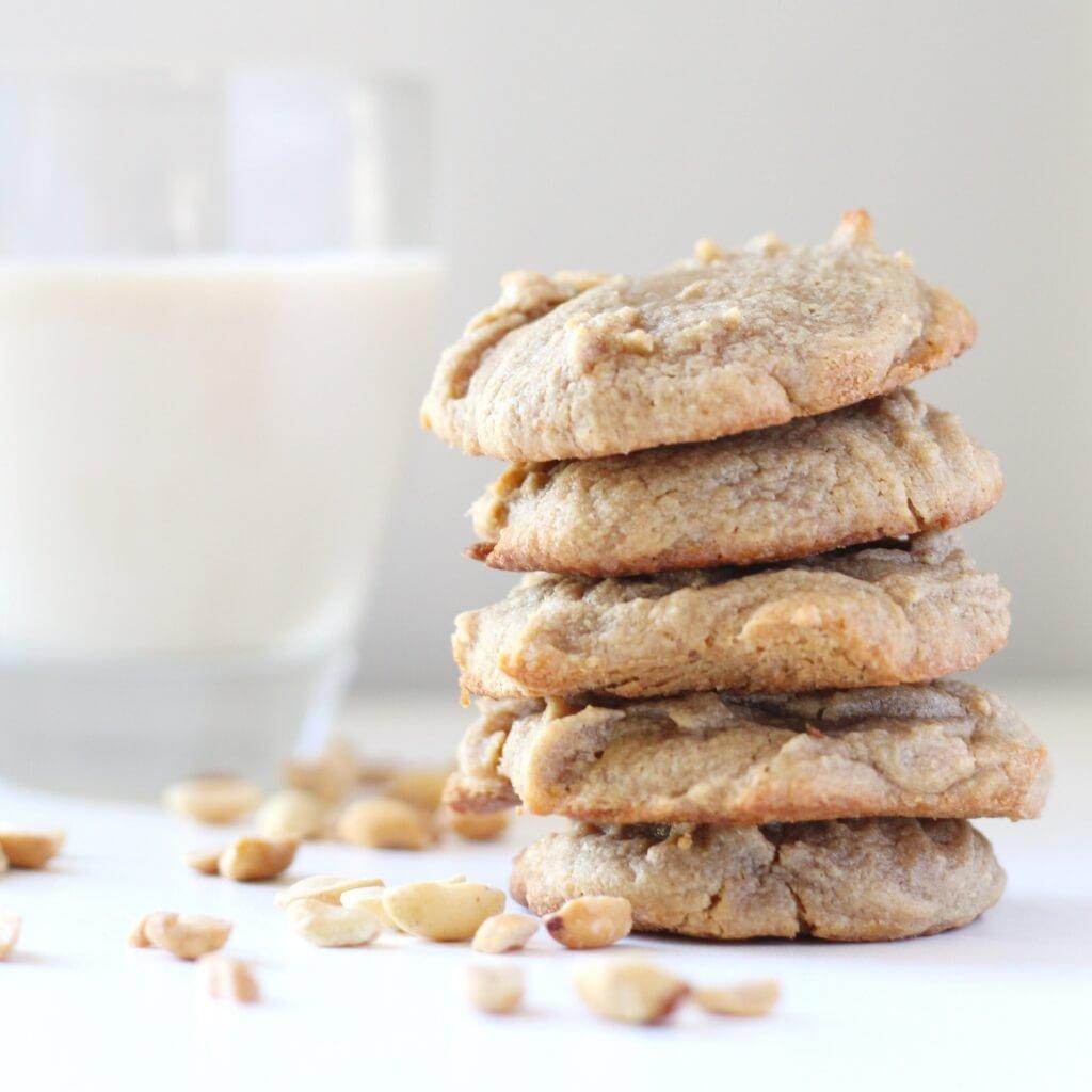 3-ingredient-peanut-butter-cookies-eye-level-min-1024x1024.jpg